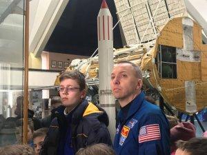 МОЛОДЕЖЬ ЮЖМАША ВСТРЕТИЛАСЬ С АСТРОНАВТОМ NASA