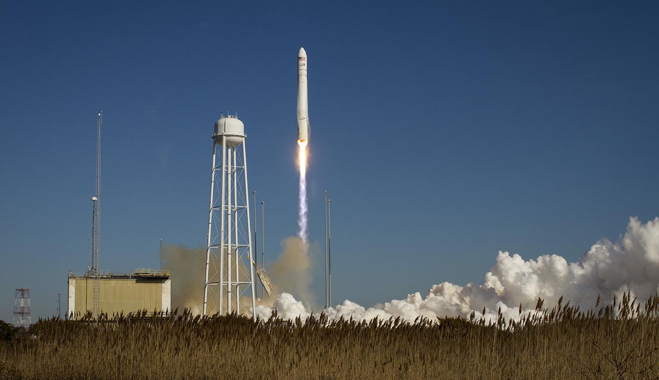В США успешно прошли испытания ракеты-носителя «Антарес» с украинской ступенью, изготовленной на ЮЖМАШе
