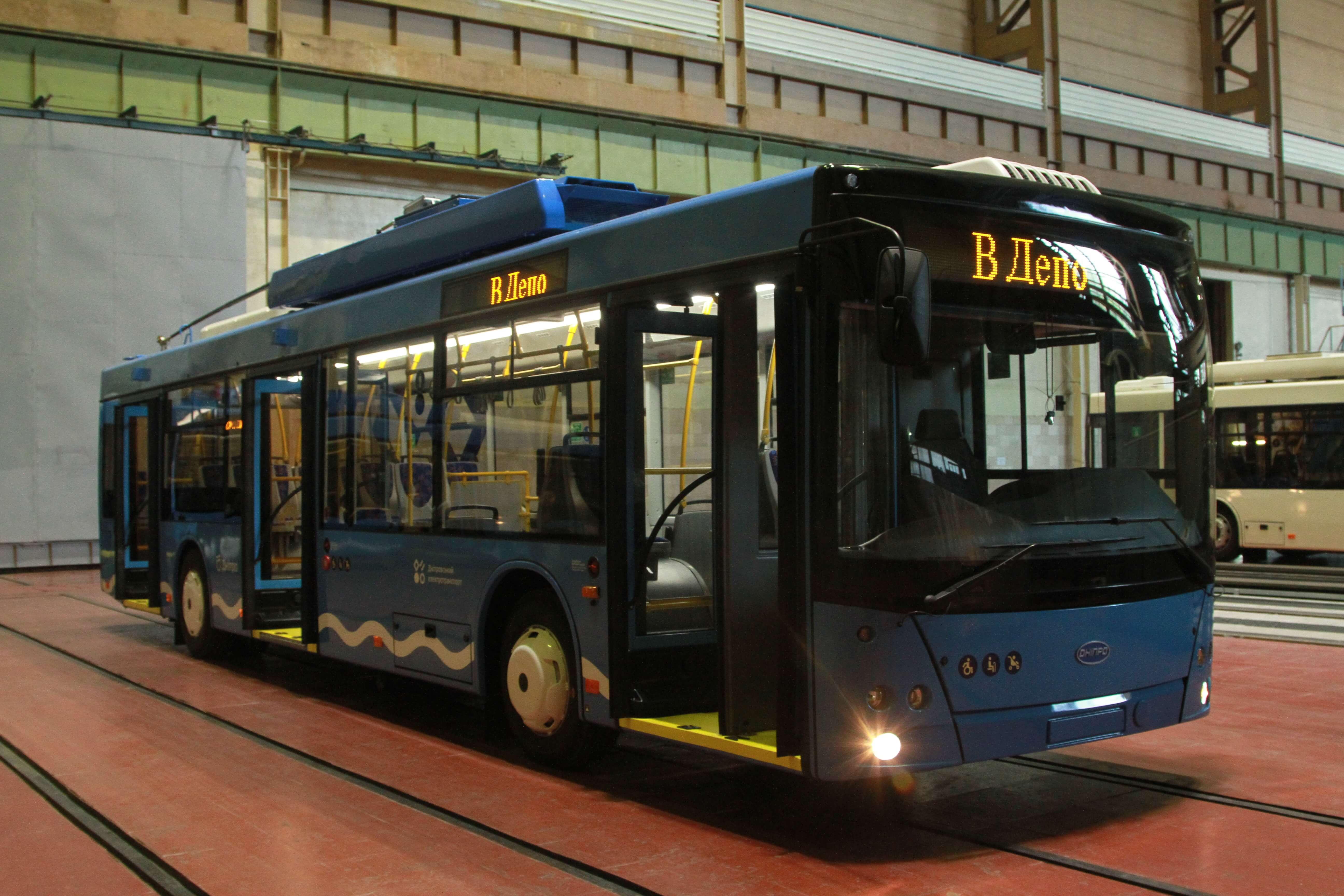 Успішне завершення контракту: три тролейбуси передано місту